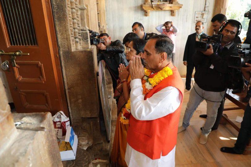 Gujarat: Vijay Rupani to take oath as Gujarat CM with their 19 ministers