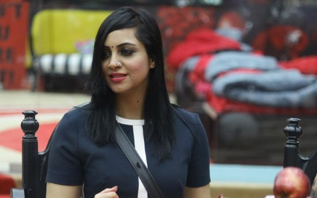 Bigg Boss 11: Arshi Khan gives explosive interview, slams Hina Khan