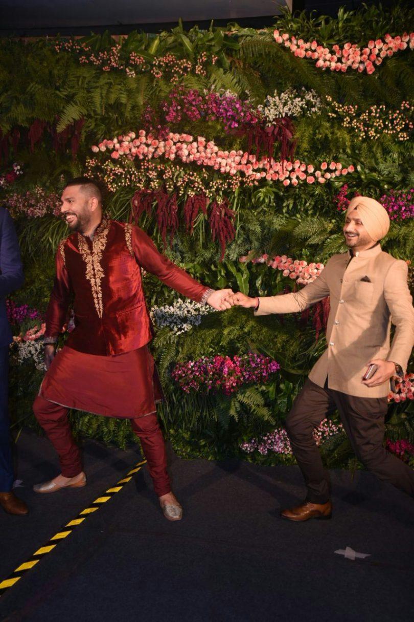 Harbhajan shares the dance video with Shah Rukh Khan at Virat-Anushka Wedding Reception