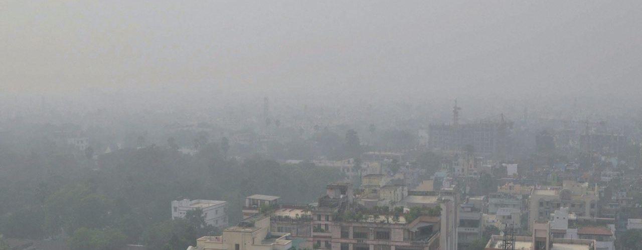 Smog returns in Delhi resulting Hazardous air quality again