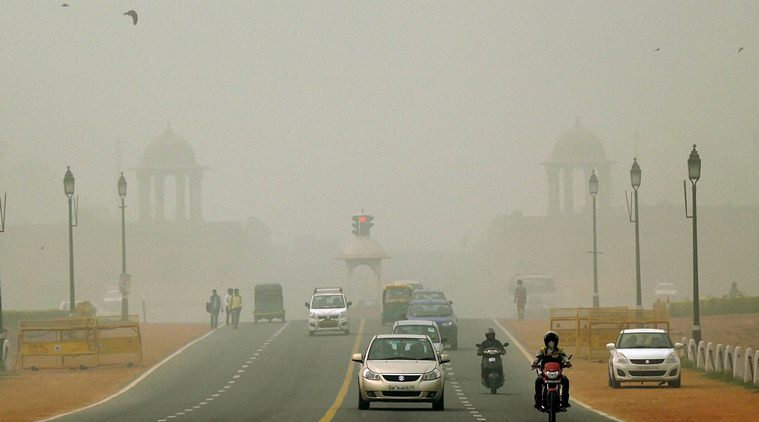 Delhi smog causes unprecedented flight delays