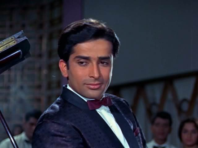 Veteran actor Shashi Kapoor dies at 79