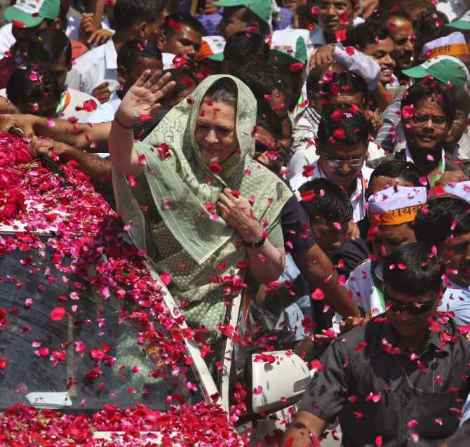 """""""My roleis to retire"""" says congress head Sonia Gandhi"""
