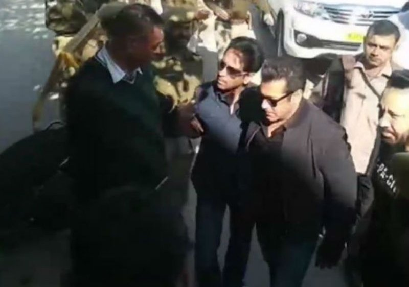 Salman Khan arrives in Jodhpur court for Black Buck hearing