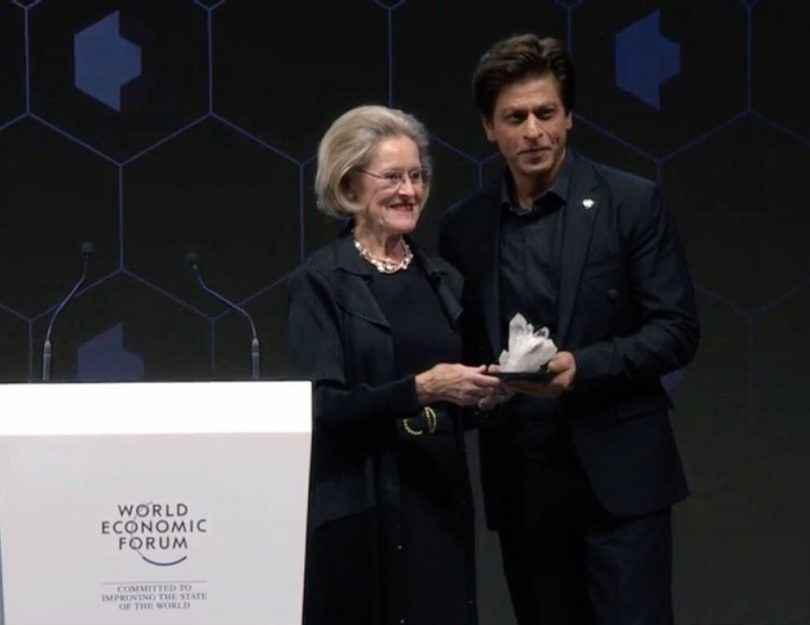 Shah Rukh Khan awarded the 24th Annual Crystal Award, asks selfie with Cate Blanchett