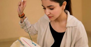 Sui Dhaaga: Anushka Sharma showcases her embroidery skills in new pic