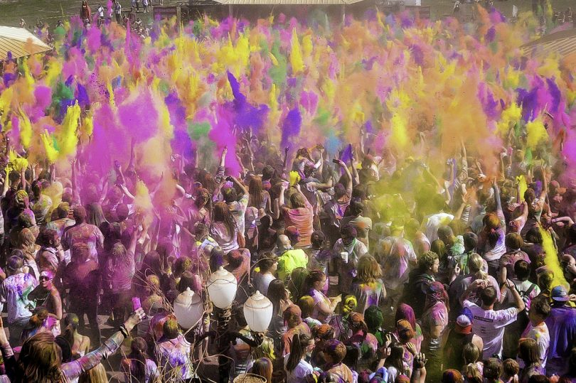 HOLI 2018 :Significance of Different colors
