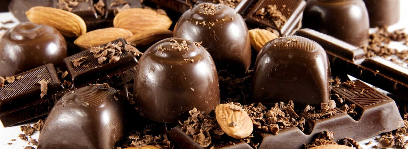 Chocolate Day latest Images, Quotes, Wishes, Shayari for WhatsApp and Facebook