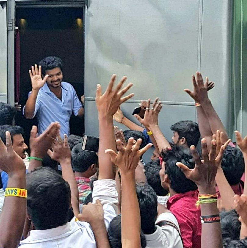 Vijay surrounded by fans on Thalapathy 62 shooting spot