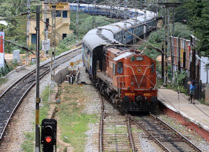 RRB Recruitment 2018 Group D application form closes Tomorrow