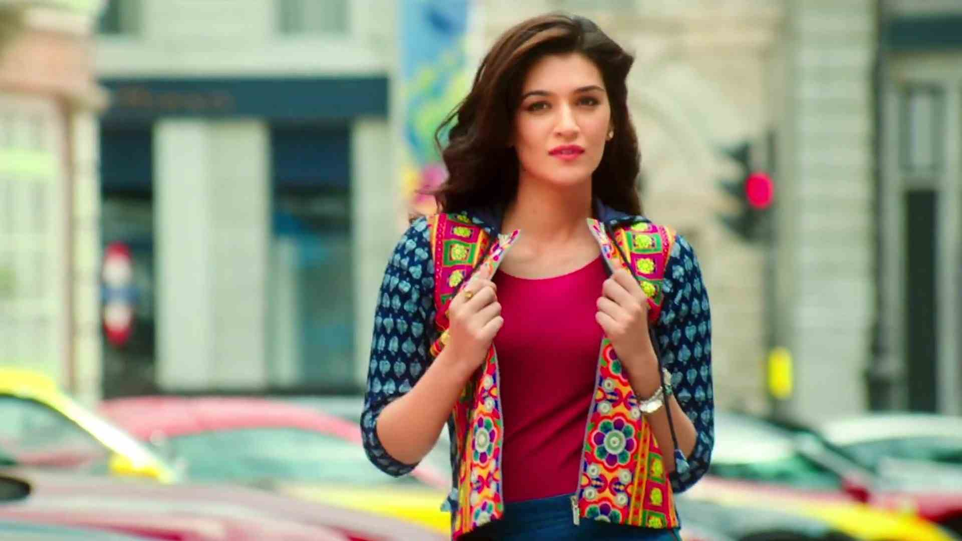 Kriti Sanon Hd Images And Wallpapers And Unknown Facts: Kriti Sanon To Star Opposite Akshay Kumar In 'Housefull 4