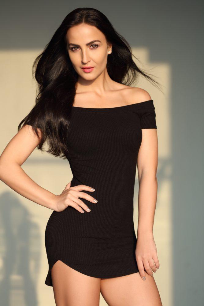 Elli AvrRam to perform with Allu Arjun in 'Naa Peru Surya'
