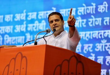 'BJP ke Logo se Beti Bachao', Rahul Gandhi attacks PM Modi at save the constitution campaign