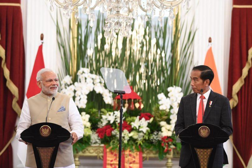 Narendra Modi in Indonesia, condemns terrorist attacks in the country