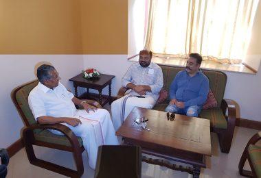 Kamal Haasan looking for alliance with Pinarayi Vijayan?