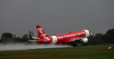 Air Asia Group CEO Tony Fernendes and others booked by CBI over violation of aviation rules