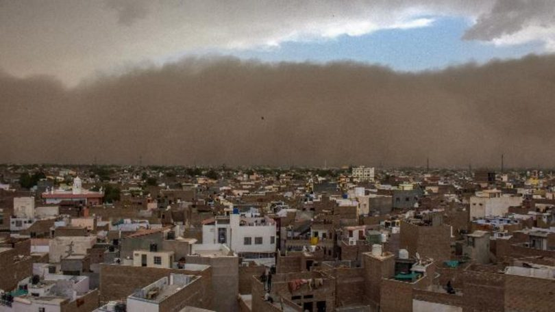 Rain and dust storm lashes Rajasthan, Uttar Pradesh; Over 100 people died