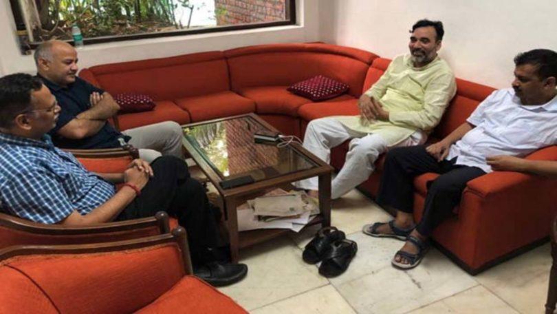 Kejriwal-LG Matter Day 6; No settlement between Top-2 Delhi organisers