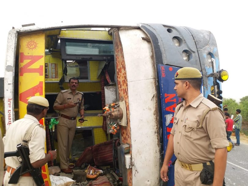Mainpuri Bus Accident, seventeen dead, 12 injured