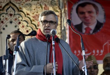 Why Omar Abdullah is targeting BJP and PDP at the same time?