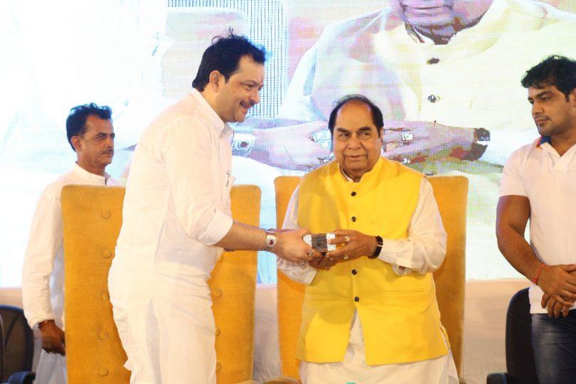MP Spiritual leader Bhayyuji Maharaj shoots himself in Indore