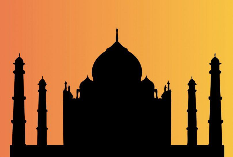 VHP activists damages Taj Mahal's west gate