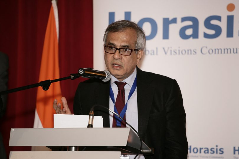 Niti Aayog Chairman, Ravij Kumar challenges Amartya Sen, asks him to visit India