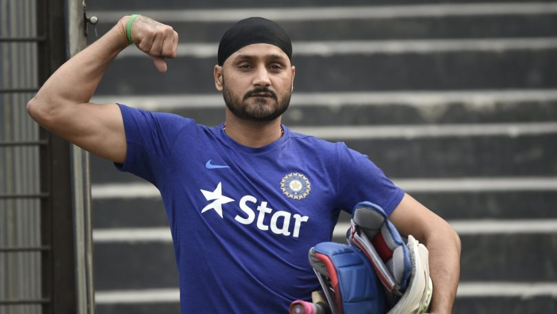 Harbhajan Singh slams Politicians to not play Hindu-Muslim