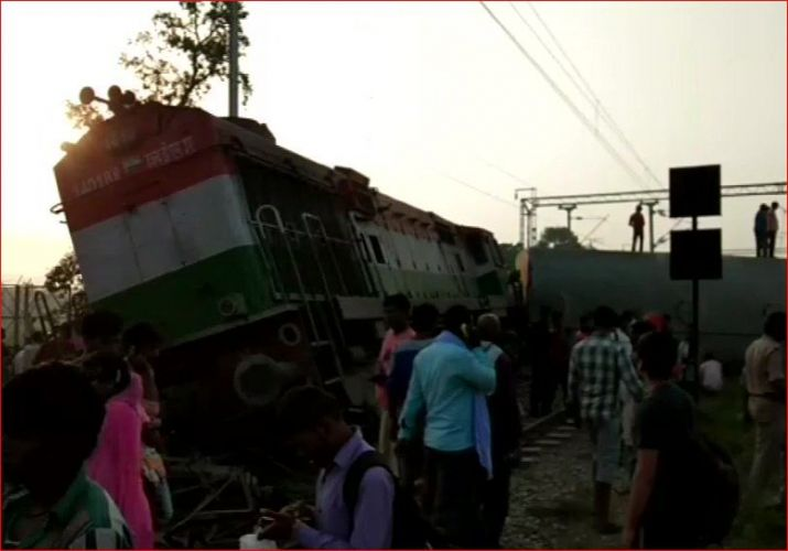 New Farakka Express derails in Uttar Pradesh, 5 dead, 12 injured