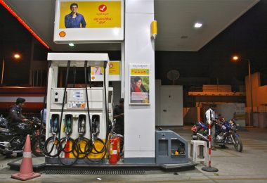 Petrol pump operators strike; Pumps in Delhi to remain shut on October 22